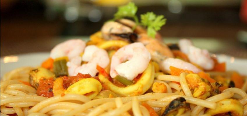 Colombo de fruits de mer aux petits légumes