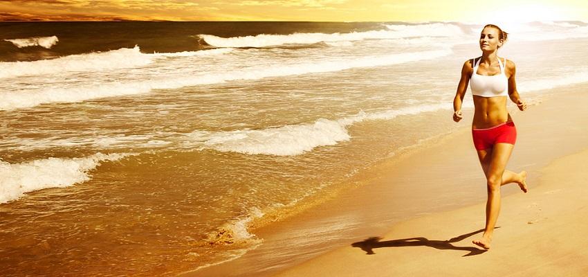 jogger sur la plage