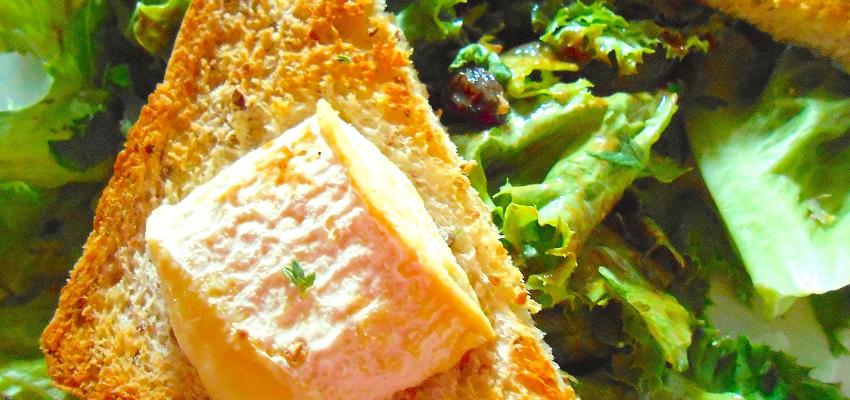 Salade de chèvre chaud aux raisins